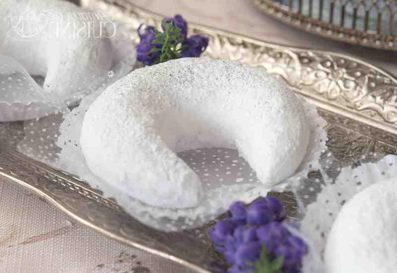 Quelle est la différence entre le sucre glace et le sucre en poudre?