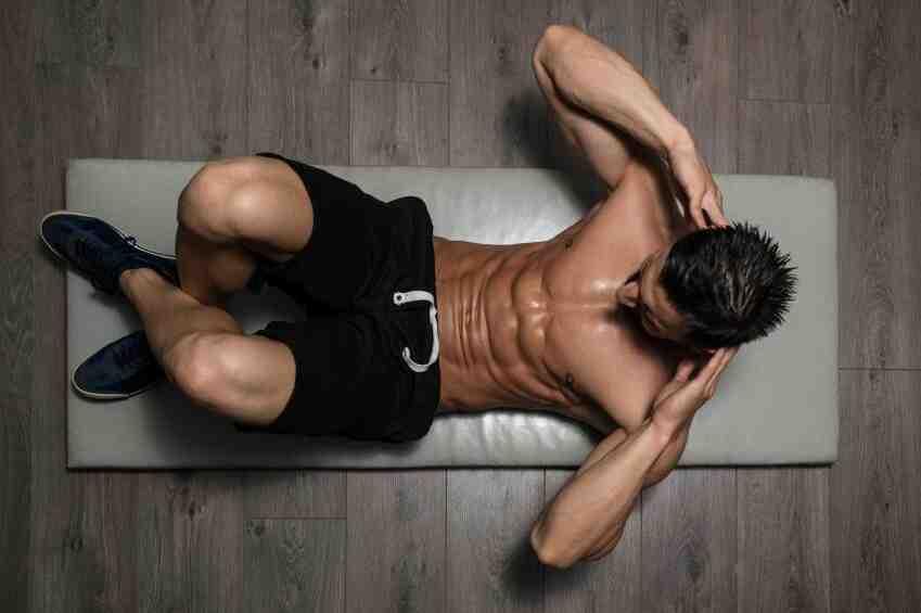 Comment vous asseyez-vous pour perdre la graisse du ventre?