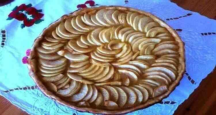 Comment disposer les pommes dans un gâteau?