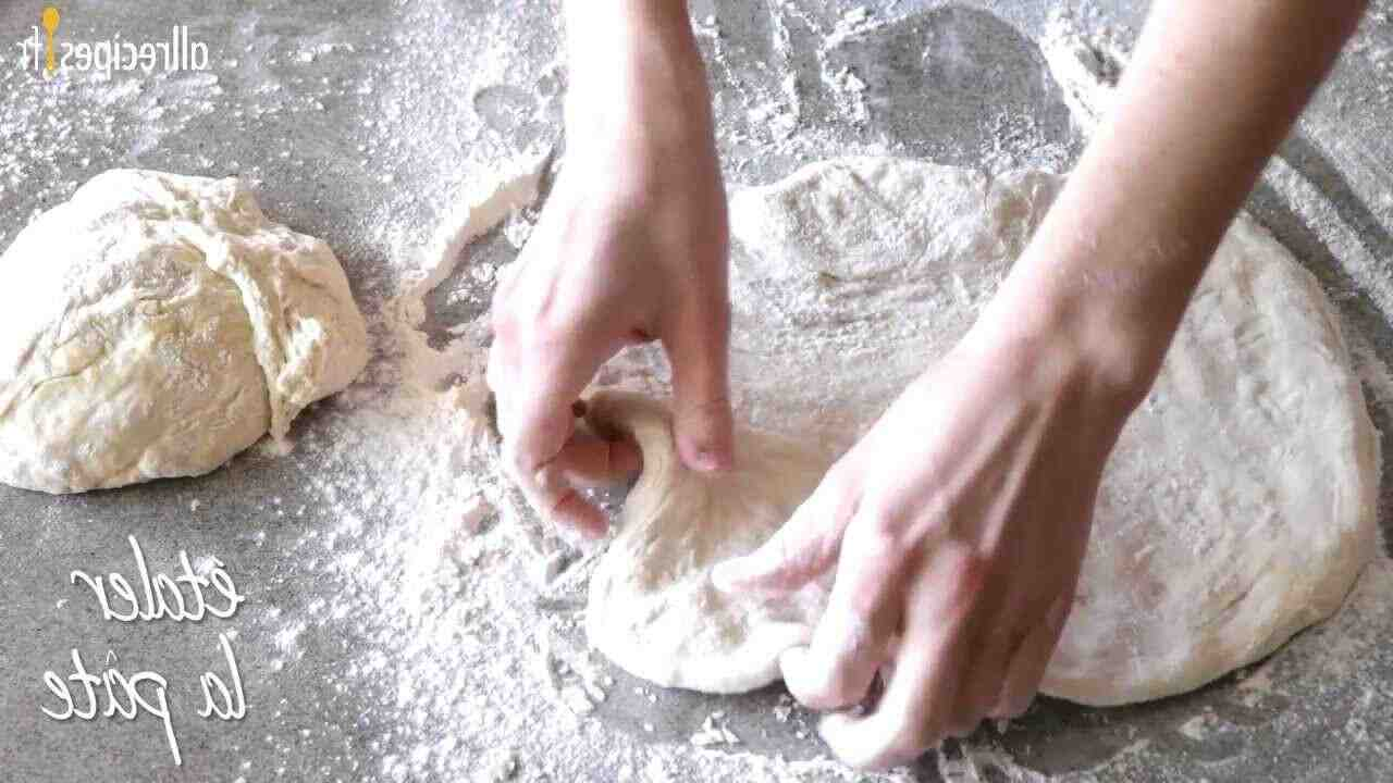 Comment faire de la pâte à pizza Marmiton?
