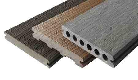 Comment faire une terrasse en bois sur une pelouse?