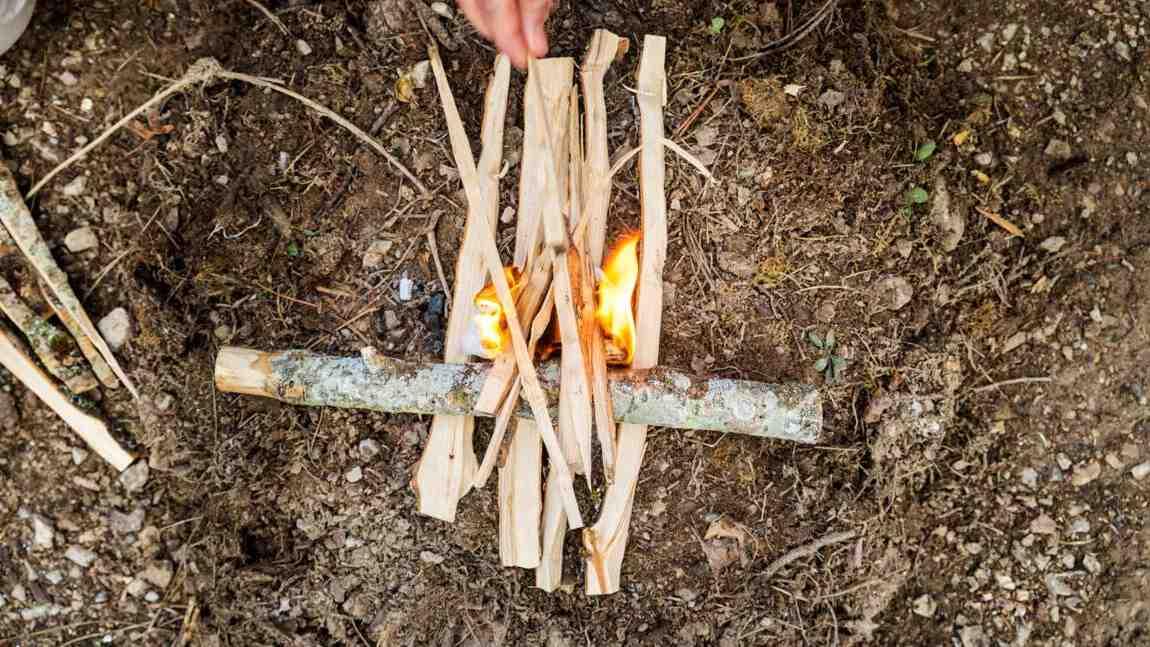 Comment faire un feu dehors ?