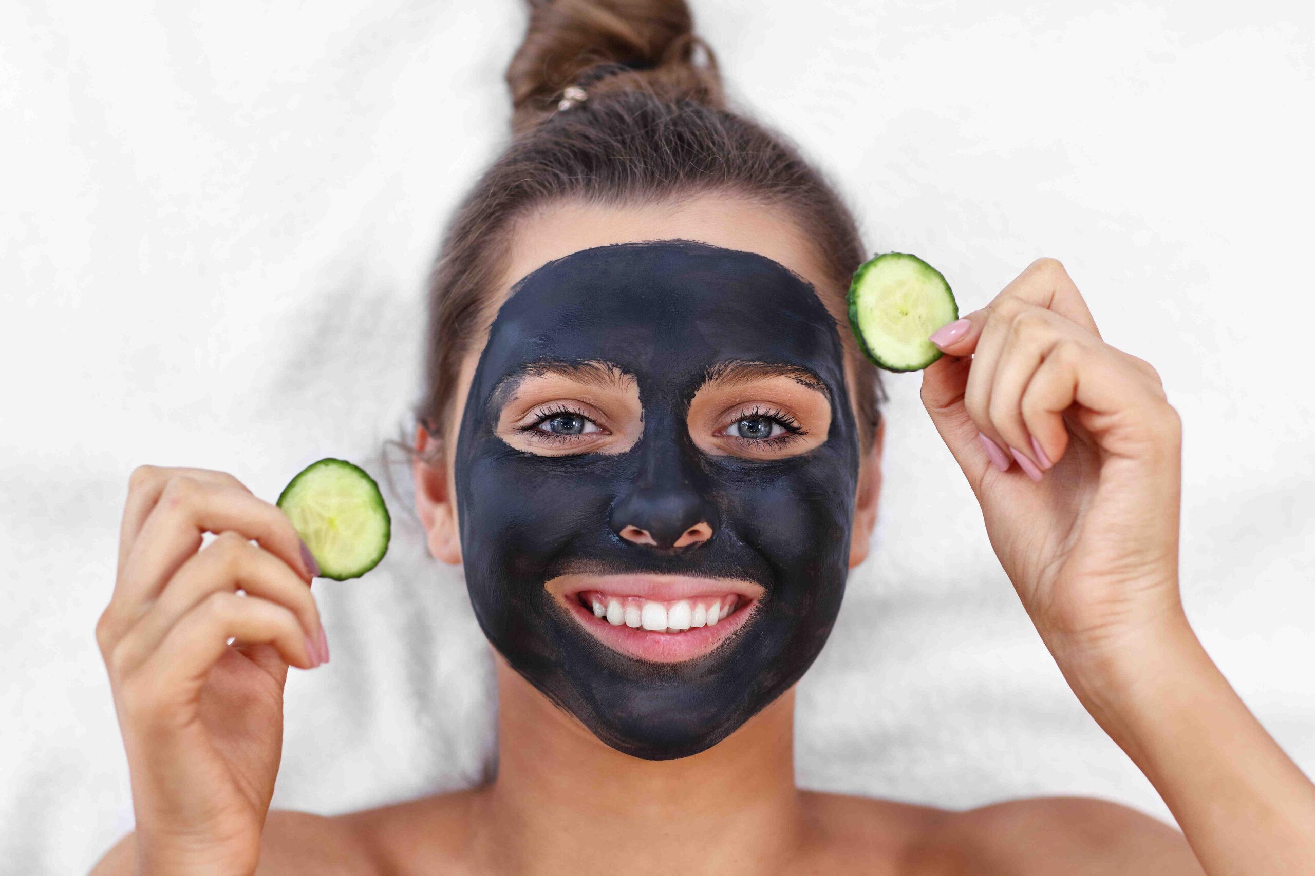 Comment faire un masque facial à la maison?